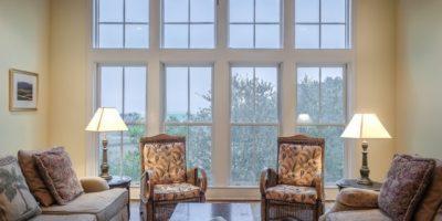 Kunststofffenster mit Sprossen